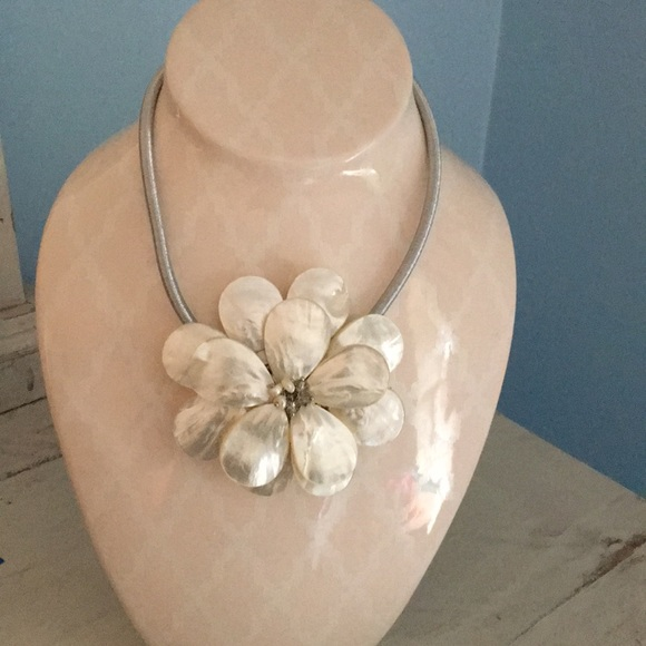 Gardenia Fresh Water Pearl Necklace